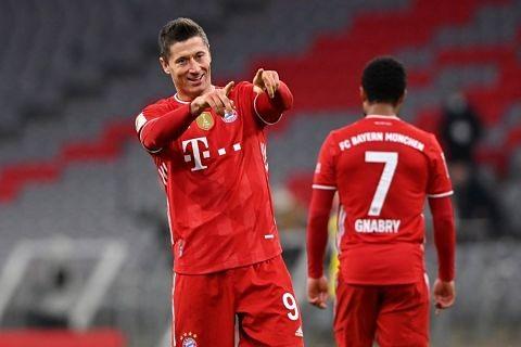 Triplete-de-Lewandowski-en-la-remontada-del-Bayern-ante-el-Dortmund