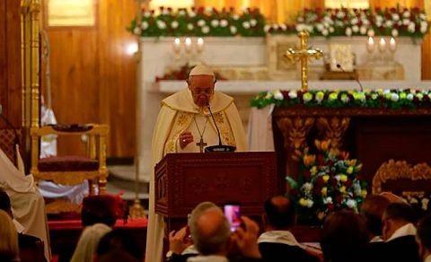 Francisco,-el-primer-papa-en-celebrar-misa-por-el-rito-caldeo