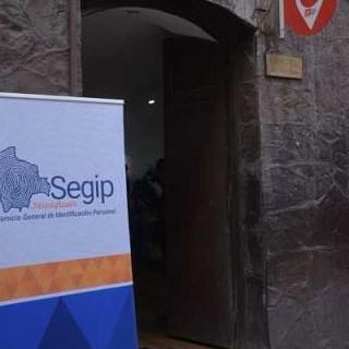 Segip-instala-oficina-movil-en-el-Ministerio-de-Trabajo-para-para-tramitar-cedulas-de-identidad