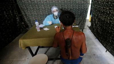Vacunacion-a-cambio-de-oro:-como-los-mineros-ilegales-de-Brasil-bloquean-el-acceso-a-las-vacunas-de-los-indigenas-Yanomami