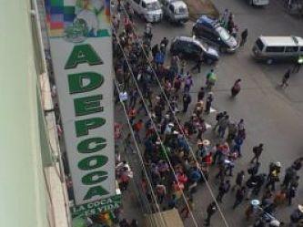 Adepcoca rechaza que cocaleros paguen impuesto y desafían a Andrónico a un debate