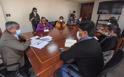 Sectores económicos rechazan nuevas restricciones propuestas por el alcalde Arias
