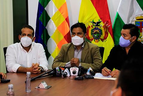 Auza garantiza la renovación de 600 contratos en salud y 100 mil pruebas antígeno nasal
