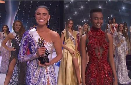 Lenka-Nemer-recibio-el-premio-de-impacto-social-en-el-Miss-Universo