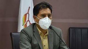 Auza-admite-gestion-de-vacunas-a-traves-de-intermediarios