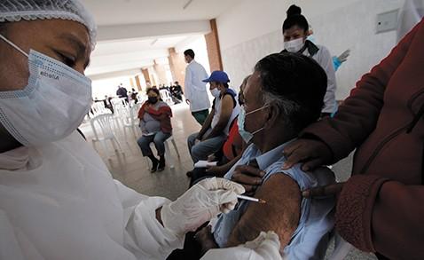 Escasez-de-dosis-arriesga-la-vacunacion