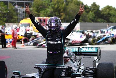 Hamilton-gano-en-Barcelona-y-estiro-su-ventaja-en-el-campeonato
