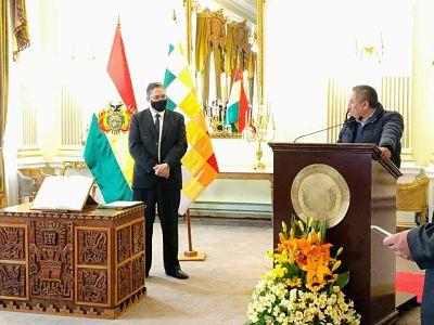 Héctor Arce jura como embajador de Bolivia ante la OEA