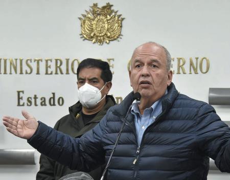 Gobierno-busca-que-Murillo-devuelva-el-doble-del-costo-de-gases-lacrimogenos
