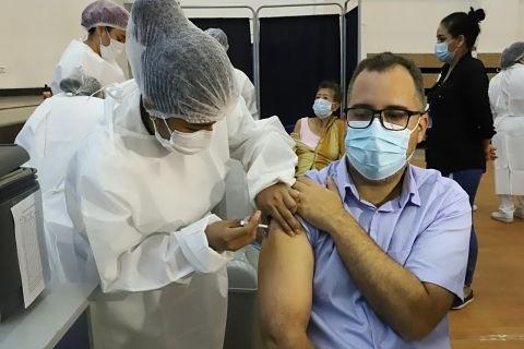 Se-amplian-a-ocho-los-puntos-fijos-para-la-aplicacion-de-vacunas-contra-el-Covid-19-en-Santa-Cruz