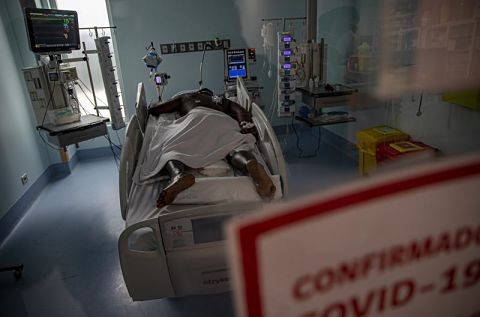Medicos-de-Chile-piden-confinamiento-total-para-frenar-el-COVID-19