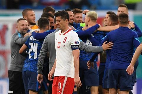 Eslovaquia-sorprende-a-Polonia-tras-vencer-por-2-1