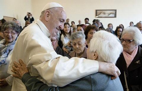 Iglesia-Catolica-celebra-la-Primera-Jornada-Mundial-de-los-Abuelos-y-Personas-Mayores