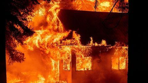 Los-incendios-de-California-amenazan-10-mil-viviendas