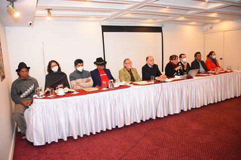 10 abogados proponen reforma constitucional para una reforma judicial de 3 pilares
