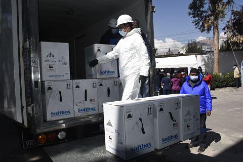 Llega a Bolivia un nuevo lote de 188.370 vacunas Pfizer a través del mecanismo COVAX