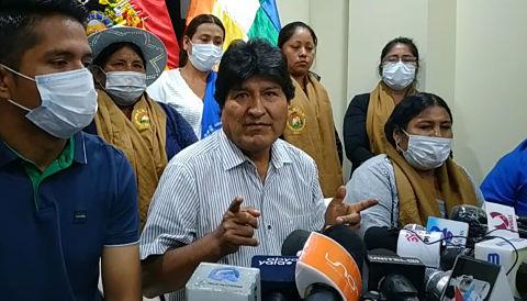 Trópico de Cochabamba plantea concentración o marcha de Caracollo a La Paz como desagravio a la wiphala