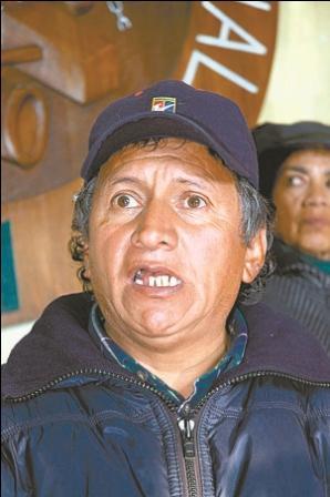 Solares-pide-a-Evo-que-renuncie-y-que-de-paso-a-un-Gobierno-obrero-provisional-