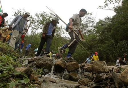 Indigenas-caminaran-hasta-Chuspipata-a-46-kilometros-de-La-Paz