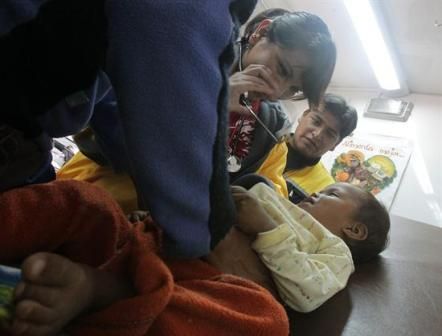 Tres-mujeres-embarazadas-y-tres-ninos-fueron-internados-