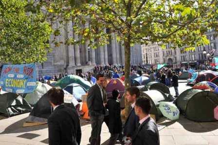 Imagenes-revelan-que-9-de-10--indignados--en-Londres-vuelven-a-casa-a-dormir