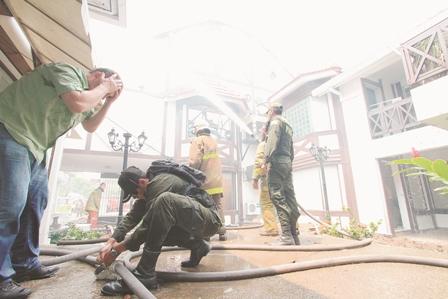 Incendio-alarma-en-centro-comercial-de-equipetrol-