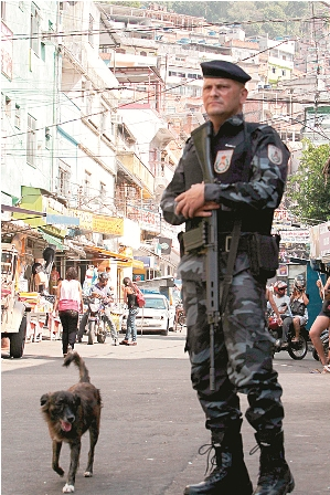 Expectacion-en-la-favela-rocinha