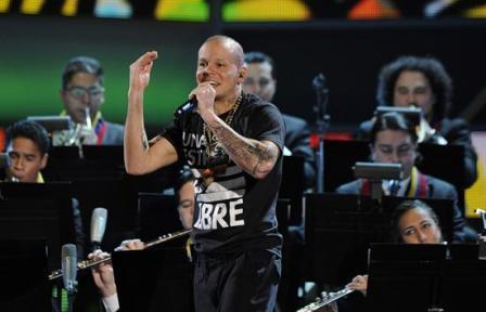 Calle-13-pide-arroz-y-frijoles-para-entrar-a-su-concierto