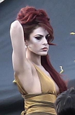 Una-latina-con-el-porte-de-Amy-Winehouse