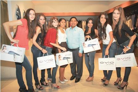Jeans-Ovio-presento-su-nueva-coleccion