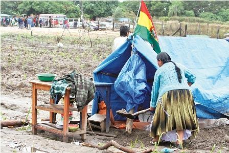 INRA-entrega-casi-2.000-hectareas-a-migrantes-