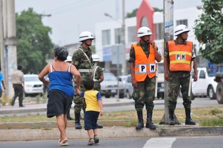 Anuncian-que-500-militares-reforzaran-tareas-de-seguridad-en-Santa-Cruz-
