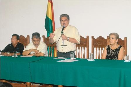 Criticas-a-Costas-en-cita-de-lideres-de-Santa-Cruz