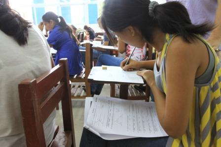 Examen-de-ingreso-a-la-UAGRM-con-total-normalidad