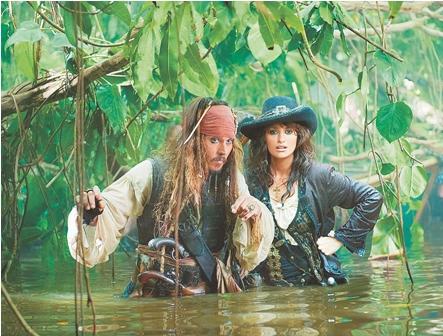 Los-Piratas-del-Caribe--navegan-aguas-misteriosas