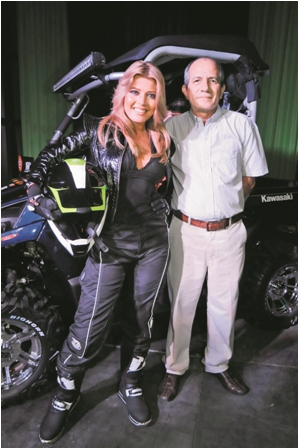 Presentaron-lo-ultimo-en-motos-y-vestuarios