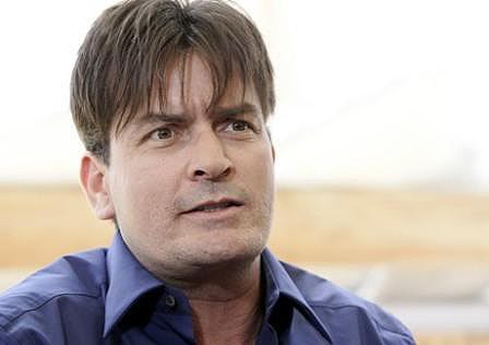 Charlie-Sheen-vende-su-mansion-en-Beverly-Hills
