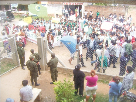Vecinos-exigen-mas-patrullaje-policial