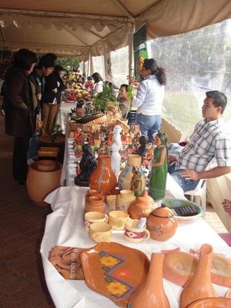 Feria-de-la-ceramica-en-el-parque-urbano