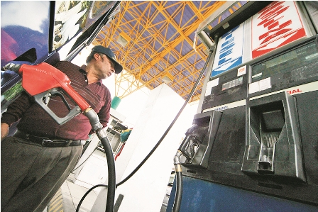 Escasez-de-combustible-por-aumento-de-ilegales