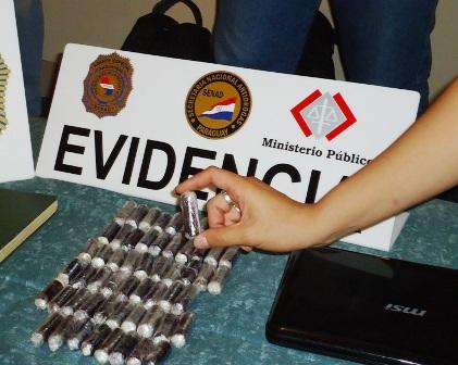 Arrestan-a-boliviana-con-98-capsulas-de-cocaina-