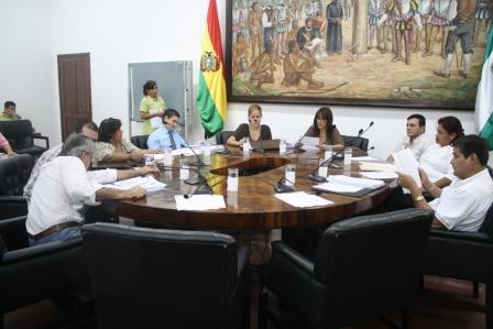-Presentan-proyecto-de-ley-municipal-para-fortalecer-la-autonomia-local