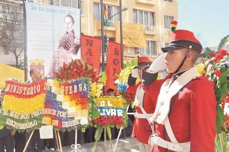 Rinden-homenaje---a-Simon-Bolivar