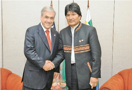 Pinera-y-Morales-se-sientan--a-hablar-sobre-el-mar