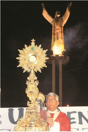 Al-cumplir-50-Anos--El-Cristo--abre-mas-sus-brazos