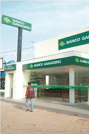 Banco gandero abre oficina en okinawa for Oficina banco