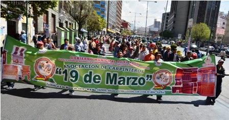Marchas-y-protestas-por-la-escasez-de-madera-