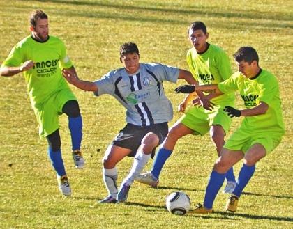 Garcia-Ágreda-sorprende-y-derrota-a-Oruro-Royal