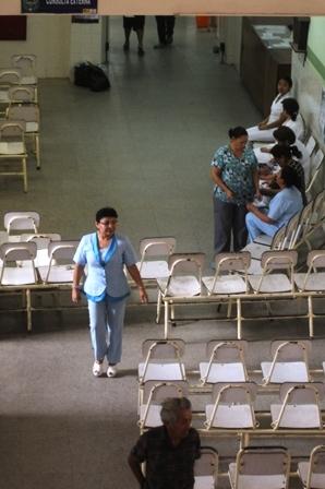 Trabajadores-de-salud-amenazan-con-otro-paro