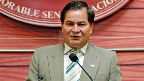 Senador-Pinto-recomienda-a-Sacha-Llorenti-no-viajar-al-exterior